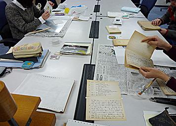 自分たちで治したい! 図書館員による図書館の蔵書の修理・修復 - 京都大学図書館資料保存ワークショップ