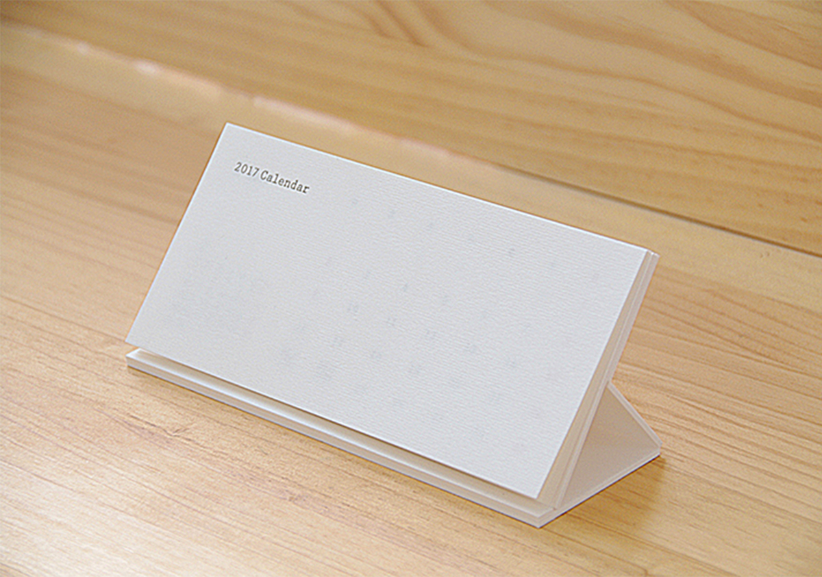活版印刷+紙加工の魅力に満ちた卓上オリジナルカレンダー
