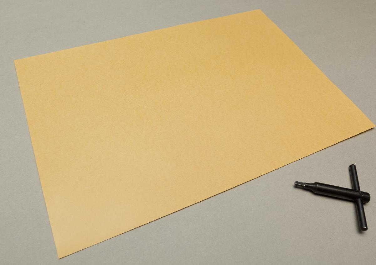 (写真9)茶色の用紙が胴張用紙。