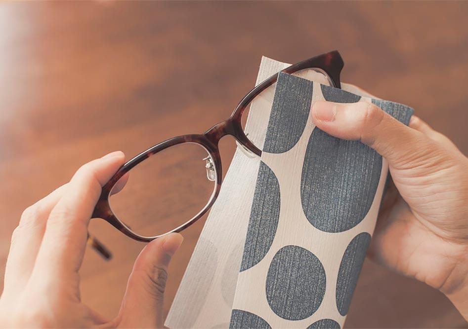 メガネが拭ける和紙 | 写真2:offというブランドにおける活版印刷と和紙⑤ - 株式会社 オオウエ | 活版印刷研究所