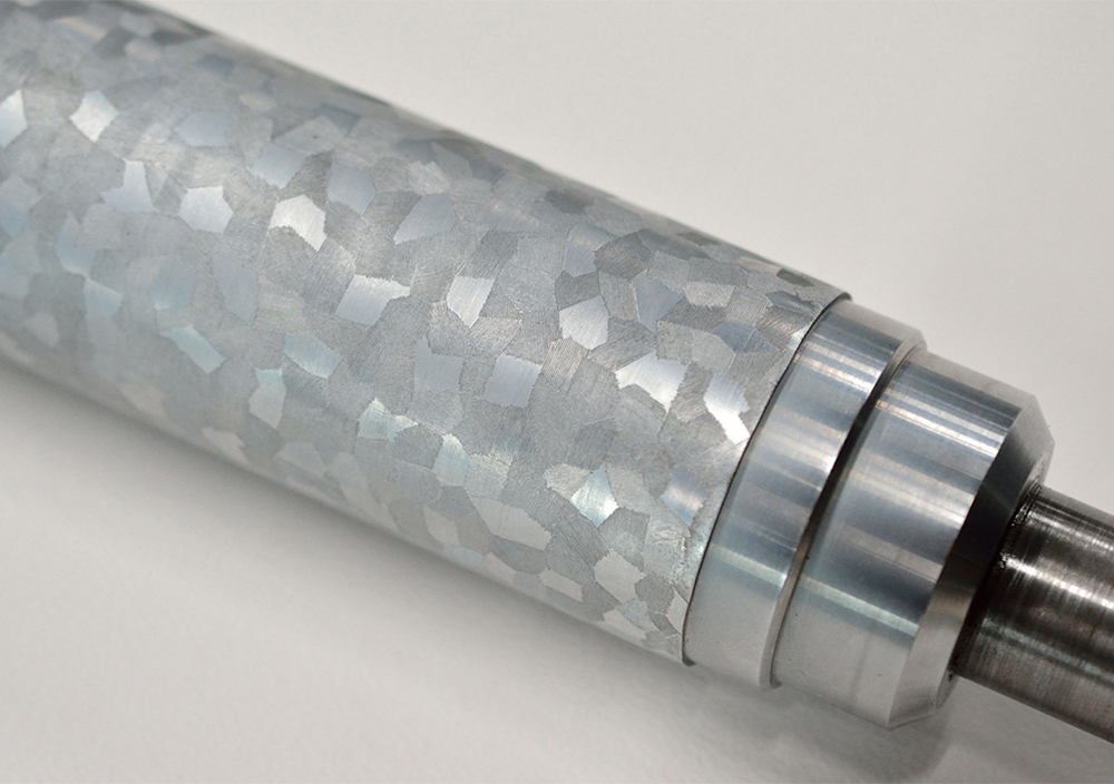 (写真3)こちらはダイヤ柄。視覚効果が強めのエンボス。 | 第11回「 ミニエンボス機 の新しい可能性」 - 池ヶ谷紙工所 | 活版印刷研究所