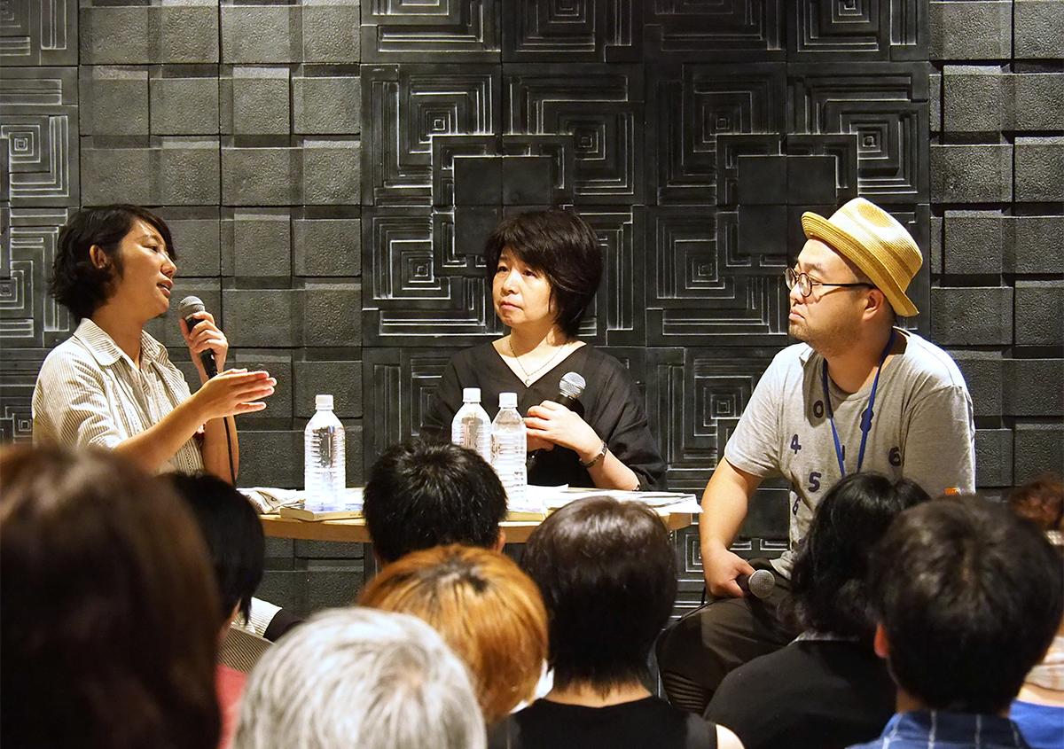 (写真32)トークショーでは活版印刷の魅力について熱いトークが繰り広げられた。写真は左から、東條メリーさん、ほしおさなえさん、酒井草平さん。 | 「 活版TOKYO2018 」に行ってきました〈前編〉 - 生田信一(ファー・インク) | 活版印刷研究所