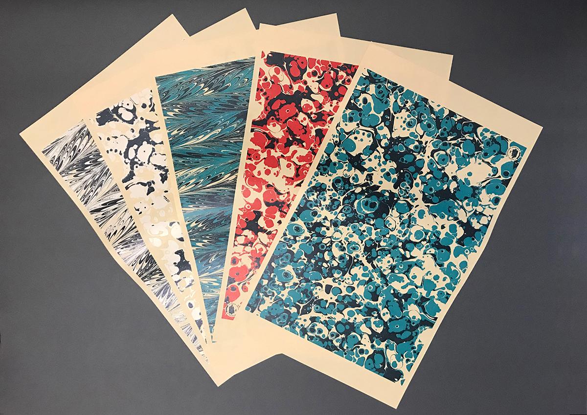 (写真21)書籍用のブックカバー用紙。活版印刷で刷られている。 | 「 活版TOKYO 2018 」に行ってきました〈後編〉 - 生田信一(ファー・インク) | 活版印刷研究所