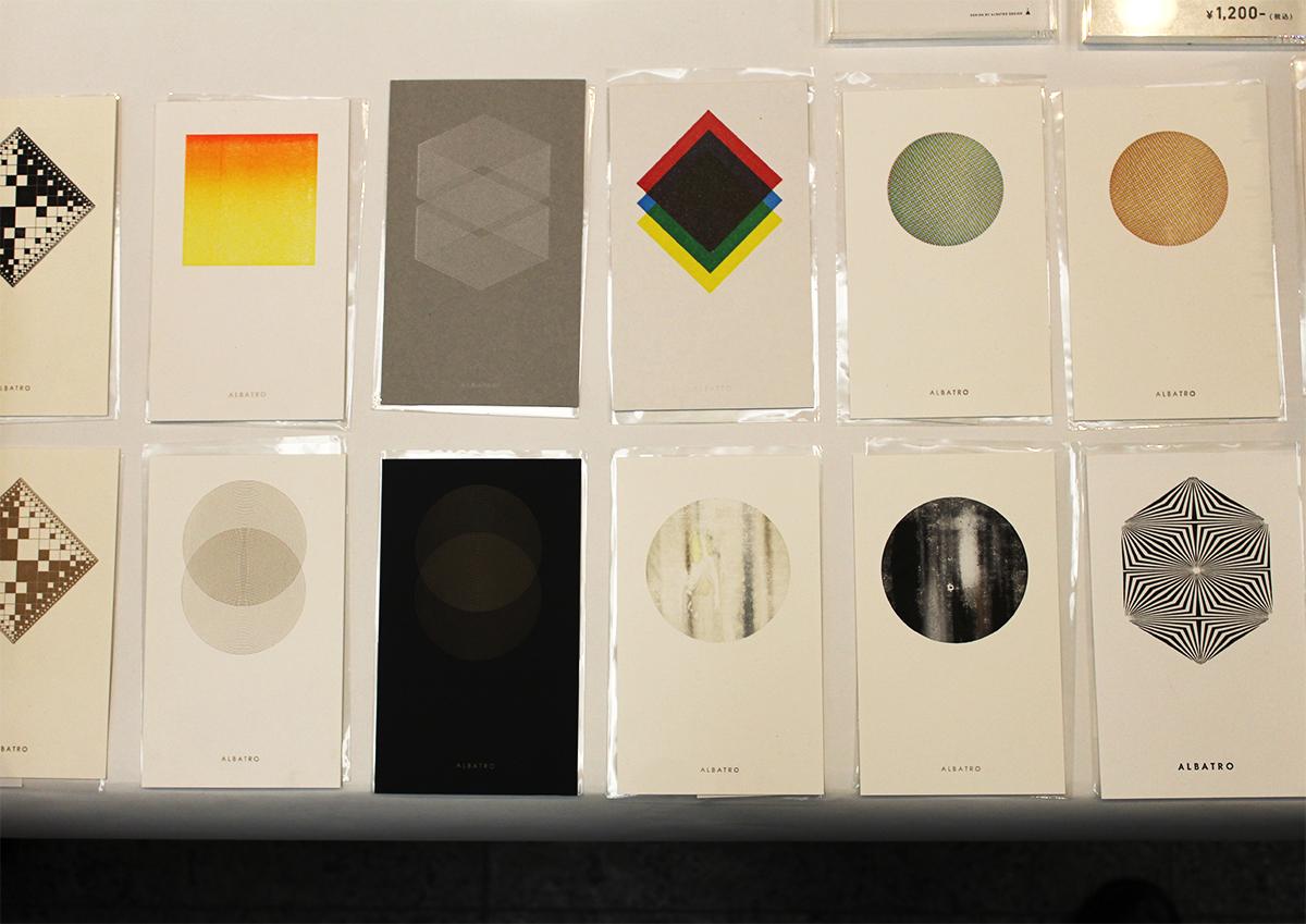(写真23)Albatro Designさんの活版カード。活版印刷の再現性を極限まで追求した見事なグラフィックデザイン。 | 「 活版TOKYO 2018 」に行ってきました〈後編〉 - 生田信一(ファー・インク) | 活版印刷研究所