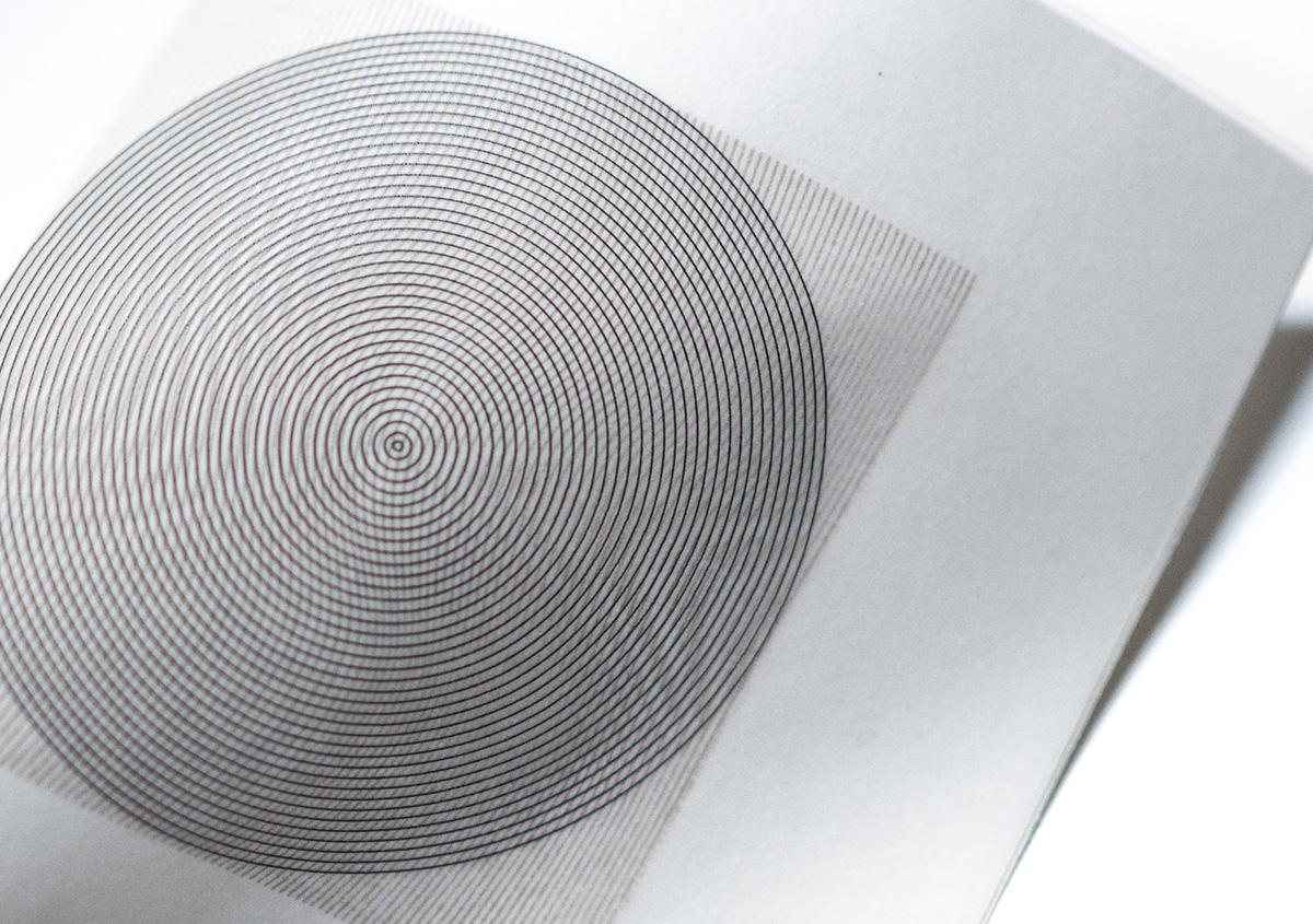 (写真12)線で構成された面を重ね刷りすると、独特なパターンが表れる。 | 活版印刷の技術で、複製できない価値を生み出す - 生田信一(ファーインク) | 活版印刷研究所