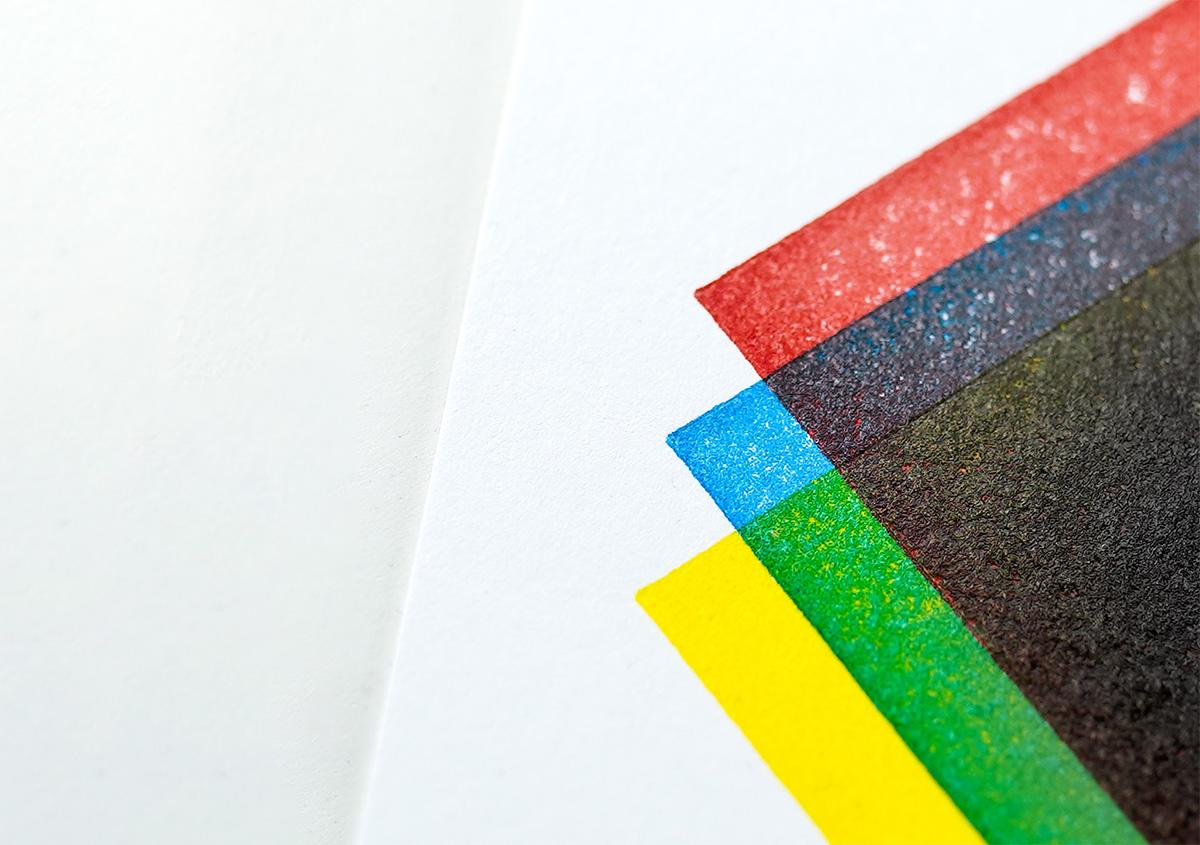 (写真8)赤、青、黄色の原色インキによる重ね刷り。重なった部分には中間色が表れる。 | 活版印刷の技術で、複製できない価値を生み出す - 生田信一(ファーインク) | 活版印刷研究所