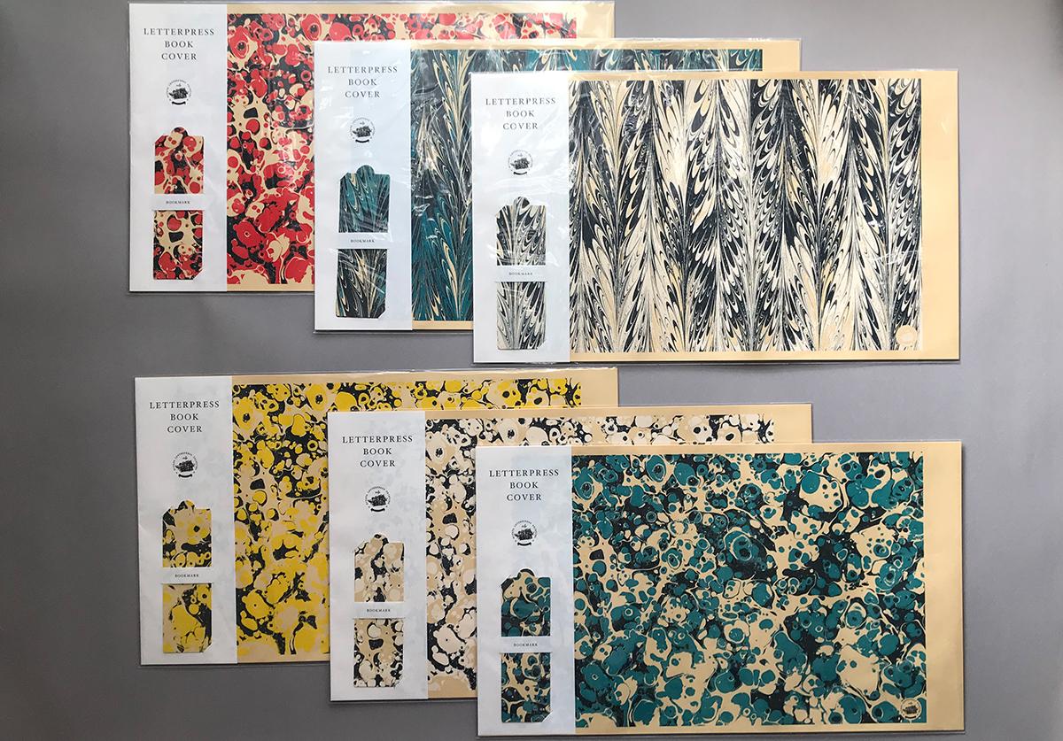 (写真8)「LETTERPRESS BOOK COVER」のキット。パターンの柄違いで6種類があります。セットの販売価格は500円+税。 | 宮田印刷が手がける「 LETTERPRESS BOOK COVER 」 - 生田信一(ファーインク) | 活版印刷研究所