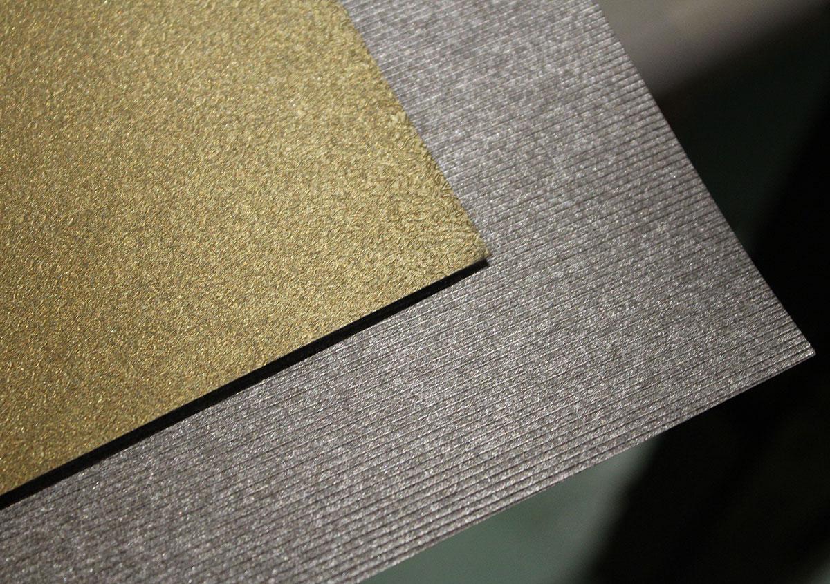 (写真12) | 紙に質感や模様を与えるプレス加工──池ヶ谷紙工所さんの話を聞きました - 生田信一(ファーインク) | 活版印刷研究所