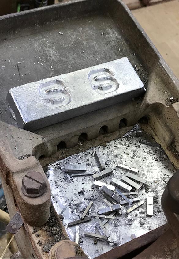 (写真14) | 築地活字で活字鋳造の現場を見学しました - 生田信一(ファーインク) | 活版印刷研究所