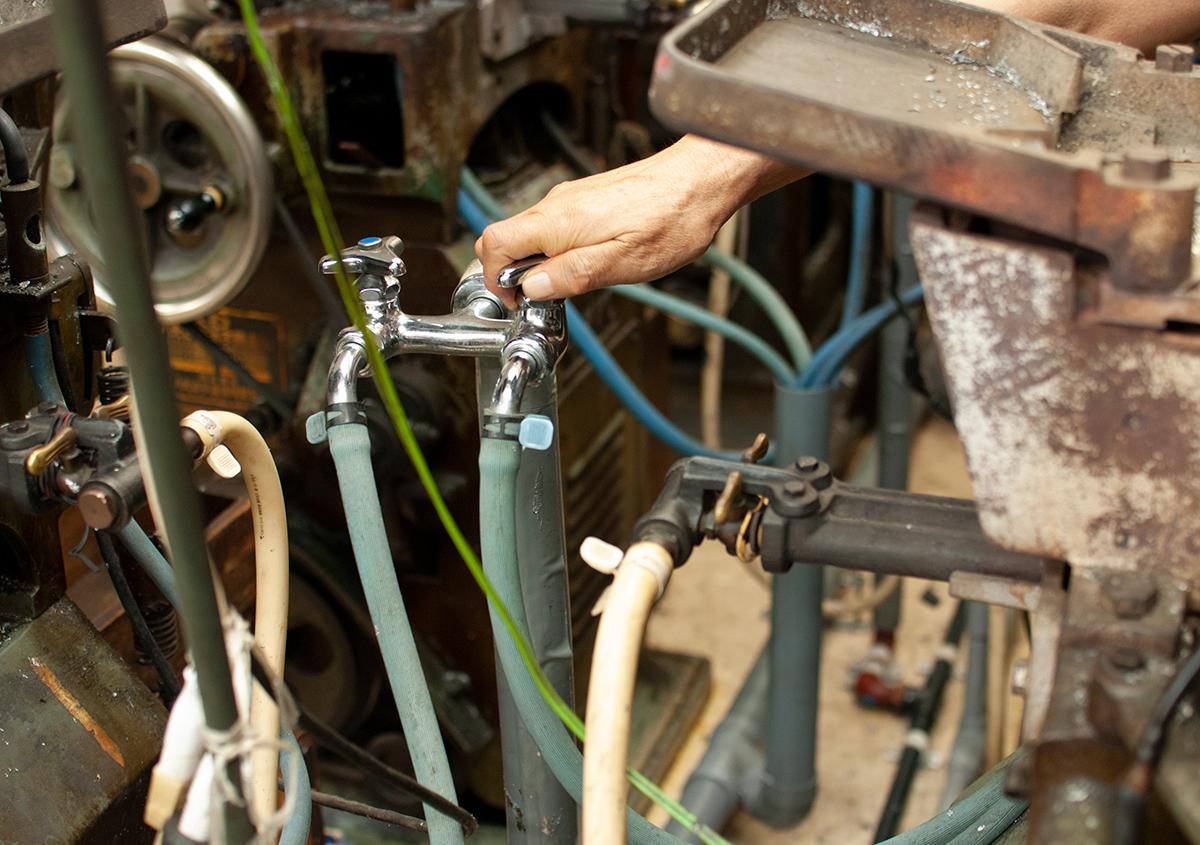 (写真16) | 築地活字で活字鋳造の現場を見学しました - 生田信一(ファーインク) | 活版印刷研究所