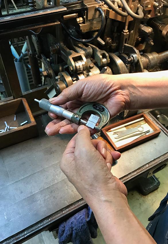 (写真20) | 築地活字で活字鋳造の現場を見学しました - 生田信一(ファーインク) | 活版印刷研究所