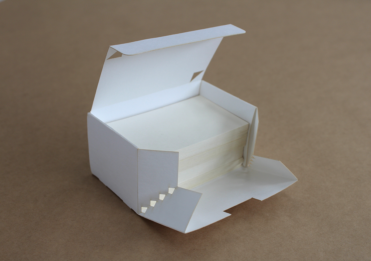 これは便利! 篠原紙工が考案した〝名刺箱〟