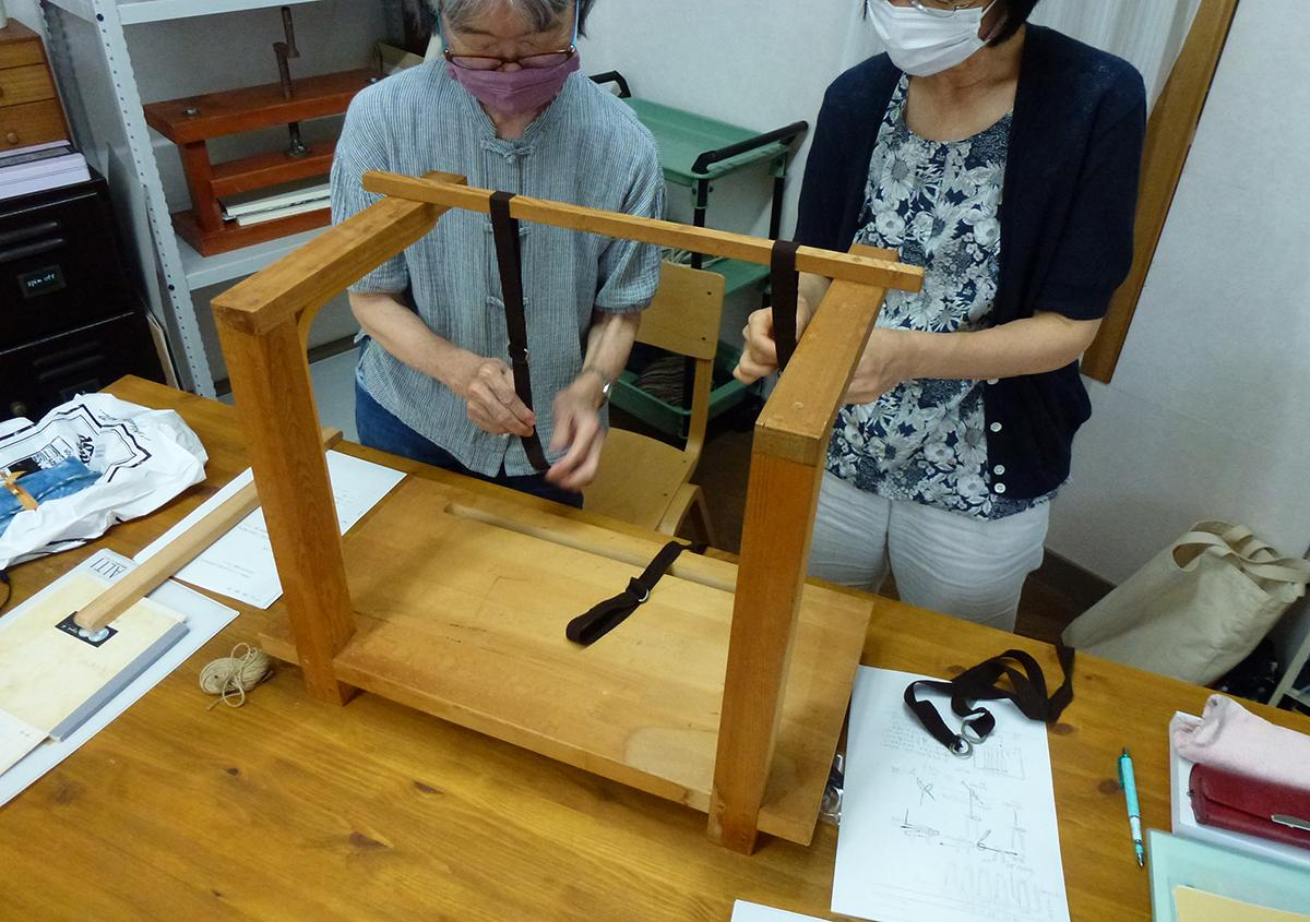(写真2) | 「番外編」活動再開しました!! - 京都大学図書館資料保存ワークショップ | 活版印刷研究所